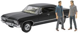Model Car - 1967 Chevrolet Impala Sport Sedan - with Sam and Dean Figures